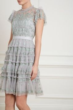 Darcy Dress in Pistachio from the Pre-Fall 18 Needle & Thread collection. Casual Dresses, Short Dresses, Fashion Dresses, Formal Dresses, Stunning Dresses, Pretty Dresses, Floral Maxi Dress, Dress Up, Needle And Thread Dresses