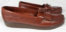 SAS HANDSEWN Women's Red Slip-Ons w/Kilties and Ties Shoes 7 1/2 M