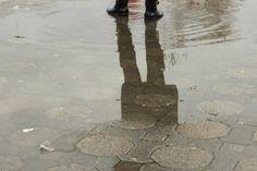 FOTOĞRAF ♌ TAHİRE -KADIKÖY...İSTANBUL--YAĞMURLU BİR GÜN HATIRASI-YANSIMALAR
