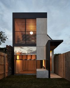 Image 1 of 28 from gallery of Dark Horse / Architecture Architecture. Photograph by Peter Bennetts haus Gallery of Dark Horse / Architecture Architecture - 1 Small House Design, Modern House Design, Loft Design, Minimalist House Design, Studio Design, Contemporary Architecture, Interior Architecture, Minimalist Architecture, Japanese Architecture