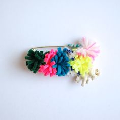 【chiLL chiLL】WOOL FLOWER STOLE PIN