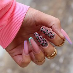 Nails trends change forever and new seasons bring new ideas. We have collected 24 newest fashionable and popular coffin nails ideas for you. It can bring new inspiration to your manicure. Try it boldly! Summer Acrylic Nails, Best Acrylic Nails, Acrylic Art, Spring Nails, Summer Nails, Swag Nails, My Nails, Heart Nails, Grunge Nails