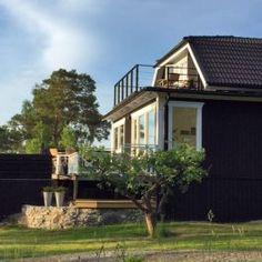 Ferienhaus Värmdö Am Meer, Stockholm, Cabin, House Styles, Home Decor, Centre, Baltic Sea, Decoration Home, Room Decor