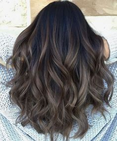 Hot Haircut and Color Trends for 2019 70 Hot Haircut and Color Trends for 2019 – Farbige Haare Hair Color For Black Hair, Cool Hair Color, Brown Hair Colors, Gray Hair, Black Colored Hair, Wavy Black Hair, Brunette Fall Hair Color, Trendy Hair Colors, Dark Brunette Hair