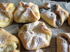 kysnuté kolačky My Favorite Food, Favorite Recipes, Bread Recipes, Cooking Recipes, Czech Recipes, Croissants, French Toast, Deserts, Dessert Recipes