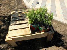 ortopanca! panchina porta piante realizzata con pallet e legno di recupero #pallet #bancali #riuso