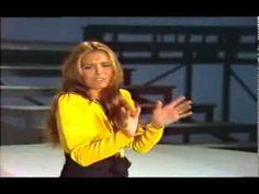 Daliah Lavi - Meine Art Liebe zu zeigen 1973 - YouTube Karel Gott, Very Beautiful Woman, Kinds Of Music, Classical Music, Looking Back, Videos, Youtube, Musicals, Comedy