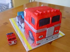 Transformer Cakes at Walmart | Optimus Prime cake with G1 toy