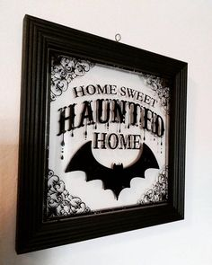 For those who celebrate Halloween every day! - Lea Ganser - For those who celebrate Halloween every day! For those who celebrate Halloween every day! Casa Halloween, Halloween Home Decor, Halloween Signs, Holidays Halloween, Halloween Crafts, Happy Halloween, Halloween Tumblr, Gothic Halloween Decorations, Halloween Bedroom