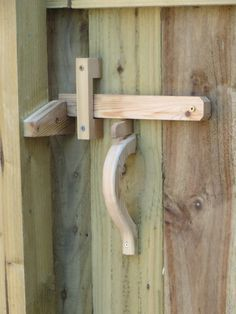 Dog Fence, Wood Gate Latch, Diy Gate Latch, Doors Joints, Door Knobs, Door Latches, Beautiful Fence