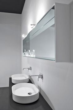 :: BATHROOMS :: lovely wall mirror detail, Reflesso is an open horizontal or vertical unit with an internal frame that is covered entirely with mirrors. The mirror is 14 cm deep and is available in two different heights: 37.5 and 50 cm. Its length can vary from 27 to 225 cm. Reflesso   antoniolupi #bathrooms