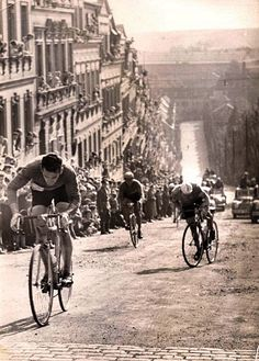 This Might Be the Peace Race, in Dresden or East Germany & # 8230; May someone can help me & # 160 ;?