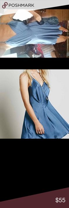 Silk free people dress.like a new Like a new! Is Xs size but sincerely I am small or medium and fits very perfect... I don't thing this is xs❤️ Free People Dresses