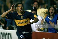 Juan Roman Riquelme of Boca Juniors celebrates after scoring against Velez Sarsfield during their Libertadores Cup footbal match before quarterfinals at La Bombonera stadium in Buenos Aires 02 May 2007.