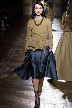 Dries Van Noten Fall 2015 Ready-to-Wear Fashion Show - Sylvia Van Der Klooster
