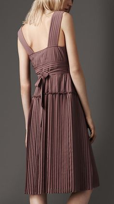 Love it! | Pleated Wrap Dress | Burberry