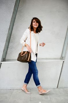 blazer: Minusey  jeans: Gas Jeans  sweater: Anine Bing flats: Valentino bag: Louis Vuitton Speedy Bandouliere 25 watch: Sheen de Casio rings: Smallbranch iPhone case: Kate Spade