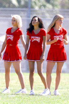 """Behind the scenes of """"Glee""""!"""
