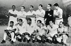 SANTOS CAMPEÃO DA LIBERTADORES DE 1963 - Em pé: Haroldo, Dalmo, Lima, Ismael, Gilmar e Mauro; Agachados: Dorval, Mengálvio, Coutinho, Almir e Pepe