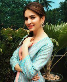 Kriti Kharbanda Actress Biography and Lifestyle Bollywood Couples, Bollywood Wedding, Bollywood Stars, Bollywood Celebrities, Beautiful Bollywood Actress, Beautiful Indian Actress, Beautiful Actresses, Teen Actresses, Indian Actresses