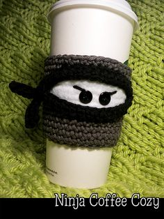 "Ninja Coffee Cozy ~ fits large ""to go"" coffee, iced coffee and Frappucino cups ~ CROCHET - purchase on Ravelry by Janet Jameson Crochet Coffee Cozy, Crochet Cozy, Crochet Gifts, Cute Crochet, Coffee To Go Becher, Ninja Coffee, Hot Coffee, Iced Coffee, Coffee Cozy Pattern"