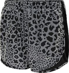 The printed Tempo shorts deliver performance and style for runners with Dri-FIT microfiber and a low-rise design. That pattern! Nike Shorts, Running Shorts, Athletic Wear, Athletic Shorts, Silver Shorts, Gym Gear, Workout Wear, Cheetah Print, Stay Fit