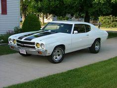 Classic White '70 Chevelle