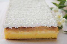 Prajitura rasturnata cu mere si crema de vanilie - DesertdeCasa.ro Desert Recipes, Vanilla Cake, Carne, Cheesecake, Food And Drink, Sweets, House, Recipes, Cook