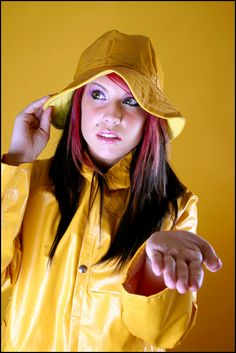 Rainwear Beauties Ireland - Wearing a Raincoat by hallopino Vinyl Raincoat, Pvc Raincoat, Yellow Coat, Yellow Raincoat, Raincoat Jacket, Rain Jacket, Girls Wear, Women Wear, Imper Pvc