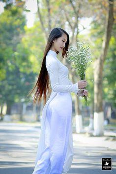 11948493314_d57fa624a3_k | Áo Dài Lung Thị Linh | Flickr
