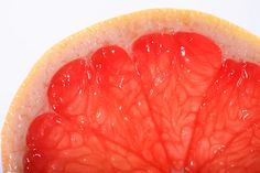 Grapefruit Juice Cellulite Home Remedy. - 1 cup corn oil - 3 tsp thyme (dried type in a bottle works fine) - 1 cup grapefruit juice wrap in plastic, 30 minutes with heating pad Breakfast Juicing Recipes, Breakfast Juice, Cellulite Exercises, Cellulite Remedies, Cellulite Workout, Home Remedies, Natural Remedies, Natural Treatments, What Is Cellulite