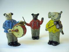 Victorian German figural lead 3 piece animal band
