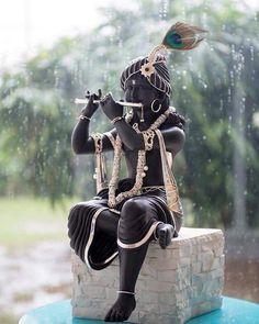 Sri Krishna Jayanthi or Krishna Janmashtami 2020 Rituals assures success in all spheres and eliminates all negative influences. Hare Krishna, Krishna Leela, Jai Shree Krishna, Radha Krishna Love, Krishna Statue, Shree Ganesh, Krishna Flute, Radhe Krishna Wallpapers, Lord Krishna Wallpapers