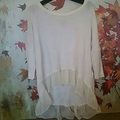 American Eagle girly sweater Light weight cream High low 3/4 blouse slightly worn,but in good shape American Eagle Outfitters Sweaters Crew & Scoop Necks