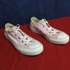 CONVERSE pink ALL STAR low top ... w5 eu35 Minimal wear... No noticeable issues Converse Shoes