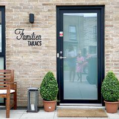 FAMILIE-SKILT I PERLER Hama Beads Design, Hygge, Outdoor Decor, Diy, Instagram, Home Decor, Bricolage, Interior Design, Handyman Projects
