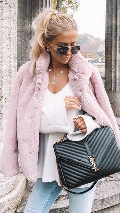 winter trneds / fur jacket + bag + white sweater + skinny jeans