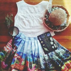 Love this! I wouldnt wear the hat thou. I'd just carry it