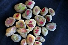 A Fun and Easy Autumn Leaf Craft with Rocks