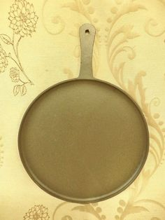 Shabby Chic Kitchen, Farmhouse Style Kitchen, Country Farmhouse, Pancake Pan, Crepe Pan, Le Creuset, Griddle Pan, French Style, Crepes