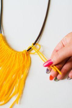 DIY Fringe Statement Necklace Yarn Festival Fashion Neon tutorial bespoke bride DIY Schmuck The 35 Best Necklace DIYs of 2018 Fabric Necklace, Fringe Necklace, Yarn Necklace, Diy Necklace Statement, Collar Necklace, Cluster Necklace, Textile Jewelry, Fabric Jewelry, Boho Jewellery