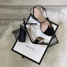 Ideas Sneakers Damen Gucci For 2019 Heeled Boots, Shoe Boots, Shoes Heels, Strappy Heels, Dream Shoes, New Shoes, Cute Shoes, Me Too Shoes, Stilettos