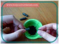DIY all-natural blackhead busting blackout mask | Body Unburdened Activated charcoal and clay