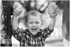 family shoot Sam Houston Park by Carey Anne Photography