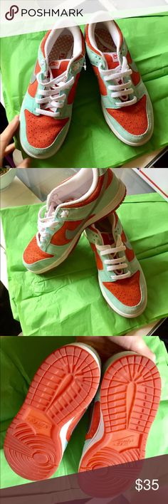 Nike women's sneakers Brand new Nike women's sneaker, never been worn super cute in orange and blue colors. For sport i.e. Romping around. Make an offer! Nike Shoes Sneakers