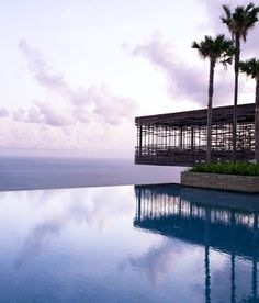 Another Bali resort! How come there are so many luxury resorts in Bali! This is even MORE beautiful than the last one with breathtaking views. At Alila Villas Uluwatu in Bali! Pool Piscina, Piscina Do Hotel, Hotel Swimming Pool, Hotel Pool, Best Resorts, Hotels And Resorts, Luxury Hotels, Luxury Travel, Bali Travel