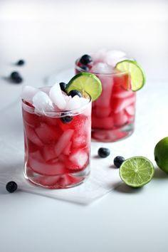 die besten 25 blueberry wodka ideen auf pinterest heidelbeer wodka getr nke cocktails mit. Black Bedroom Furniture Sets. Home Design Ideas