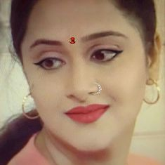 Nose Jewels, Interesting Faces, Classic Hollywood, Indian Wear, Indian Beauty, Beauty Women, Nice Face, Beautiful Women, Actresses