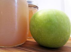 How to make your own GMO and preservative free pectin with apple scraps! #diy #preserving #jam