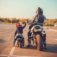 Motocross Couple, Motorcycle Baby, Motocross Girls, Bike Couple, Biker Baby, Motorcycle Couple, Motorbike Girl, Biker Girl, Chevrolet Corvette